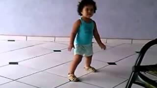 minha pequena dançando bonde das maravilhas