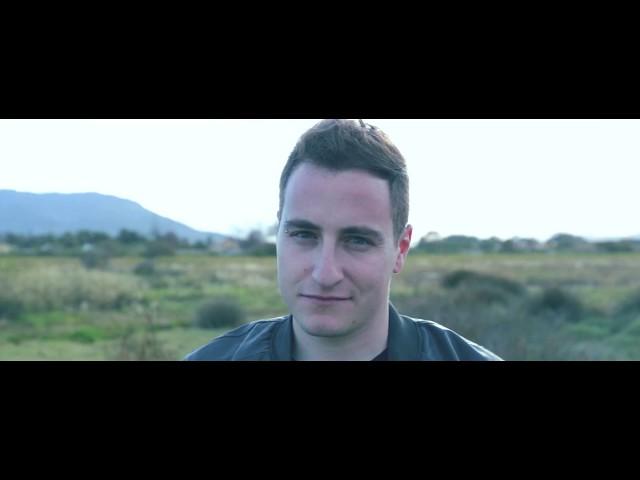 """Videoclip oficial de la canción """"A veces"""" de Álvaro Digué."""