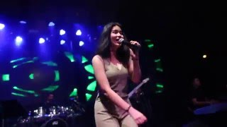 Meentra - The Voice SS4 - Valerie Live@Route66