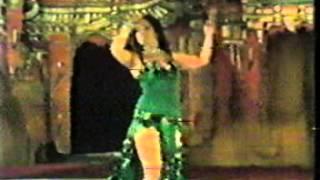 فنانة الرقص الشرقى سهير زكى فى فيديو نادر