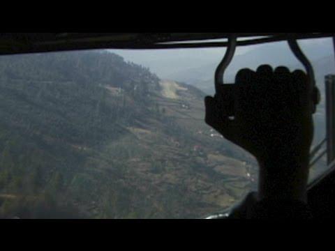 Phaplu NEPAL (Alt 8,000 feet)… Eat AFTER landing ;)