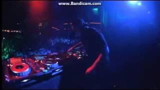 Getter putting up Enya - Only Time live concert