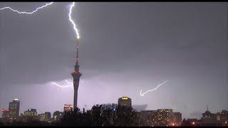 Incredible video, massive lightning strike on Aucklands Skytower