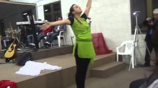 Bia Voi dançando Mesmo sem entender do Thales Roberto .
