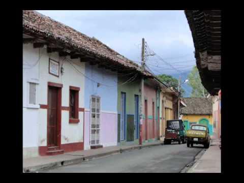 Volveré a mi Pueblo – Luis Enrique Mejía Godoy (Ciudad de Granada 2011)