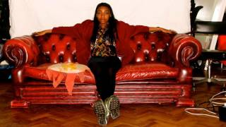 Little Simz - Sit Tight