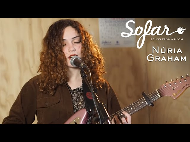 Video de Núria Graham en acústico en Sofar Barcelona.