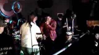 Romeo Ft. J.R The King Of Kings - Ella Y Yo (Live)