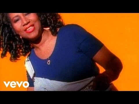 aretha-franklin-everyday-people-arethafranklinvevo