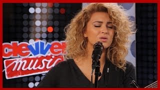"""Tori Kelly """"Paper Hearts"""" Acoustic Performance"""