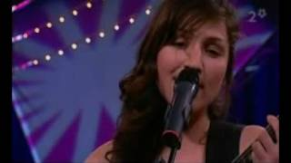 Walking On The Moon - Laleh (The Police Cover)