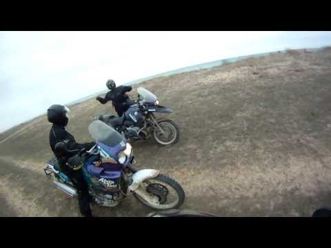 Honda Africa Twin XRV 750 & BMW R1100GS 4
