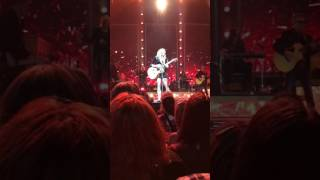 Miranda Lambert-Keeper of the flame live @ Mohegan Sun 2/4/2017
