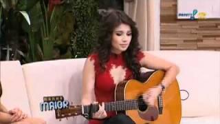 Paula Fernandes canta Shania Twain Programa Manhã Maior RedeTv 30 03 2011