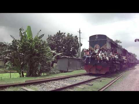 Bangladesh Railway Goalanda Ghat Bound Madhumati ICE Train .MP4