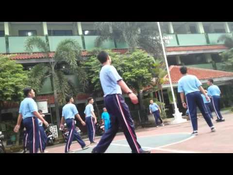 Olahraga X MIPA 3 SMAN 64 Jakarta ( 23/02/2016 )
