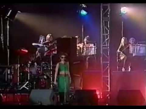 massive-attack-unfinished-sympathy-phoenix-festival-21st-july-1996-red-lines