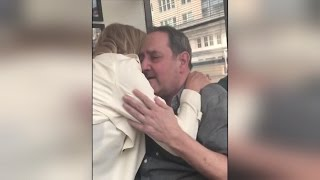 Amy Schumer's Dad Breaks Down in Tears Meeting Crush Goldie Hawn