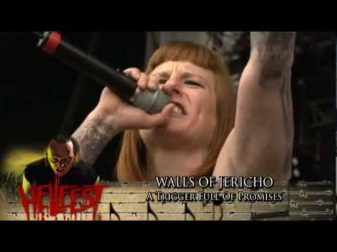 walls-of-jericho-a-trigger-full-of-promises-at-hellfest-2010-ricardo-magno