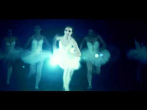 ashram-maria-and-the-violins-string-official-video-ashramofficial