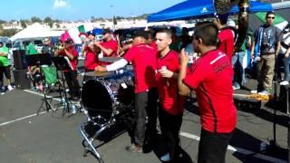 Banda clave 619 celebrando antes del partido en el estadio qualcomm México vs Chile