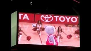 Houston Rockets Power Dancers to Juanes A Dios le Pido