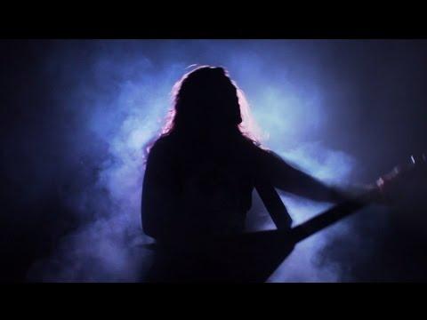 Crossroads de Striker Letra y Video