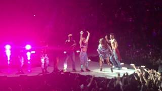Selena Gomez - Revival Live (Remix/Closing) (Revival Tour 5-6-16)