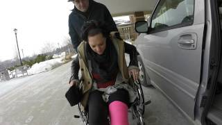 Leaving the hospital in a PINK full leg cast