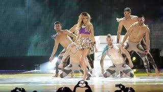 """Ελένη Φουρέϊρα """"Ραντεβού στην παραλία - Conga"""" (feat. Marios Brazil) - MAD VMA 2013 by Vodafone"""