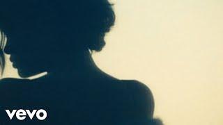 Rihanna - Diamonds width=