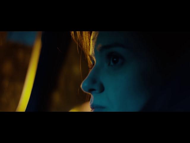Video oficial de Carmen 113 Discutir desnudos