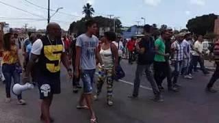 População se manifesta contra aumento de salários dos vereadores