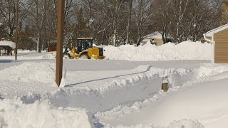 Buffalo New York November 2014 Snow Storm Digging Out - Snowpocalypse Day 2