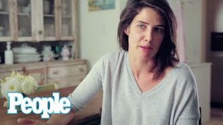 Cobie Smulders Never Wears Makeup! | People