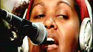 Emma Donovan - Singing The Dead Heart Live on JJJ