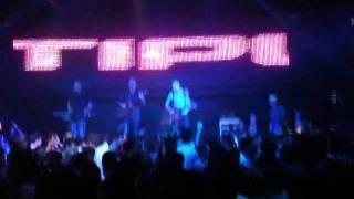 Avtipus live @ Donna Martin 90's mega parties 23/12/11