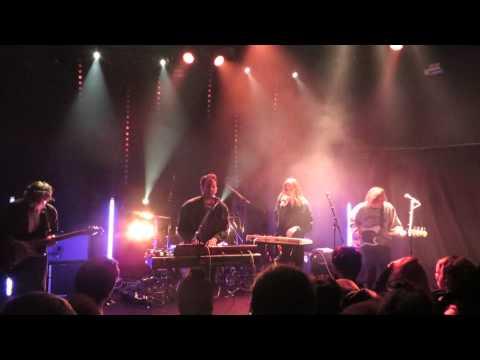 fickle-friends-velvet-live-in-paris-festival-a-nous-paris-trabendo-17-02-15-prue-halliwell