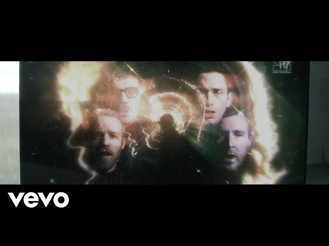 Videoclip de la canción Need You Now de Hot Chip