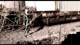 """Area 51 Alien (Roswell UFO Crash) Video """"I Am Alien"""" AV Super Sunshine"""