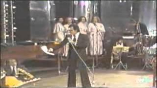 Julio Iglesias - Soy un Truhán, Soy un Señor (En vivo)