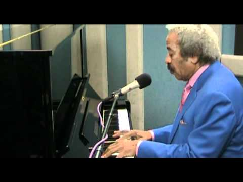 allen-toussaint-what-do-you-want-the-girl-to-do-live-at-kplu-kplu-fm
