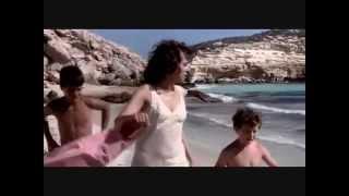 Upskirt in an old italian film - 1 width=