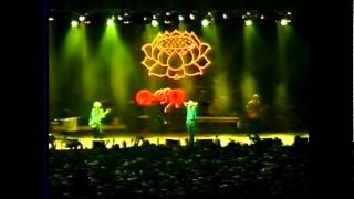 R.E.M. Stand live @  Hall Bonifika, Koper, Slovenia 1999