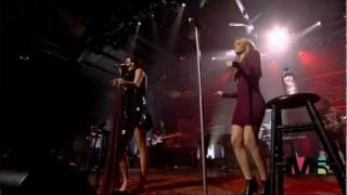 HD : 720p - Joss Stone & LeAnn Rimes - Fell In Love With A Boy [Live]