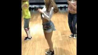 2ne1 - Falling In Love Dance Practice (CL Version)