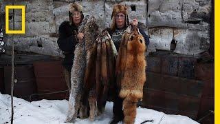 Deze tweelingzussen leven al 50 jaar in de Alaskaanse wildernis