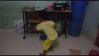 ह्या लहान मुलाचा झिंगाट'Dance' एकदा बघाच.......: