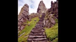 Celtic Woman - Scarborough Fair [Lyrics]