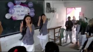 Sapna ko bhi fail kiya school ki ladki ke dance ne
